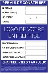 Panneau d'affichage représentant un permis de construire en France avec toutes les mentions légales