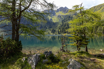 mountain lake scheibelsee, in the background mountain great boesenstein in styria, rottenmanner tauern, austria Fototapete