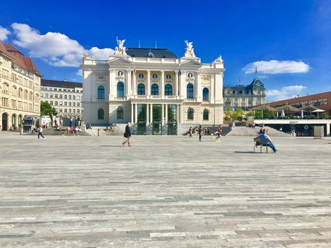 Zürich stadt in der schweiz im Sommer
