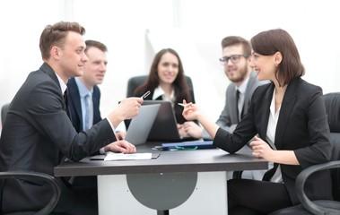 business team holds a brainstorm