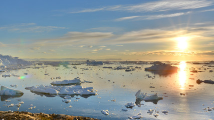 Photo sur Plexiglas Pôle Midnight sun in Greenland