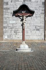 kruzifix an der sankt nikolaus kirche eupen