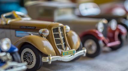 Fond de hotte en verre imprimé Vintage voitures old car model. replica of vintage car. collectible toys