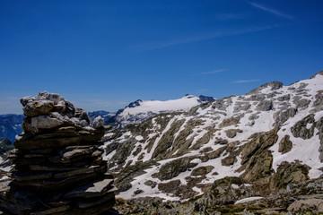 Alpi Svizzere Pizzo Cristallina, panorama sul ghiacciaio e Monte Basodino