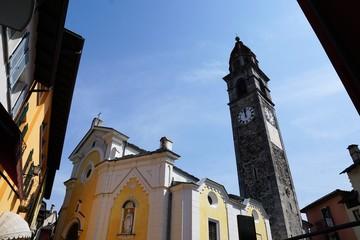 Kirche in Ascona in der Schweiz im Kanton Tessin an der Grenze zu Italien, Chiesa parrocchiale dei Santi Pietro e Paolo