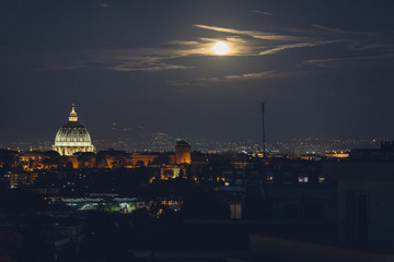City view of Saint Peter?s Basilica in Roome at night