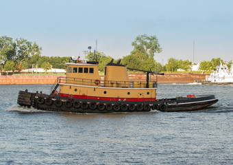 unknown tugboat returns to the port