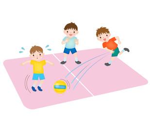 ドッジボールをする子どもたち