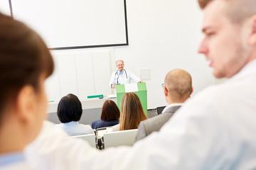 Medizin Studenten lernen in einer Vorlesung
