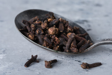 A spoonful of whole cloves