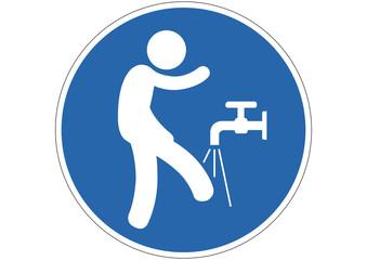 Gebotsschild Füße abwaschen