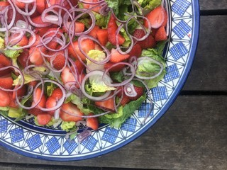 Strawberry and red onion salad