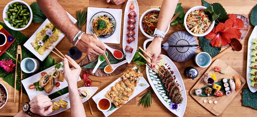 Top angle shot of traditional Japanese food dishes Fototapete