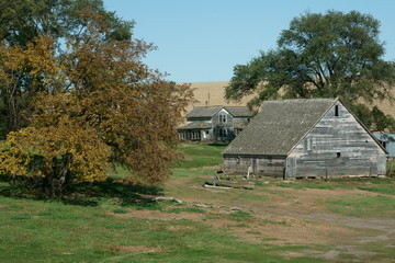 Abandoned Farm home & Barn