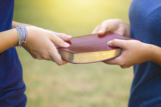 People Share the Bible with their Friends