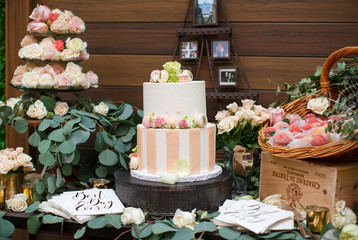 bridal shower, flowers, cake,