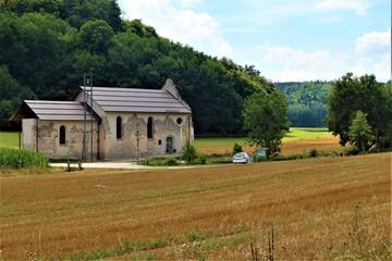 Ruinenkirche in der Nähe von Wellheim