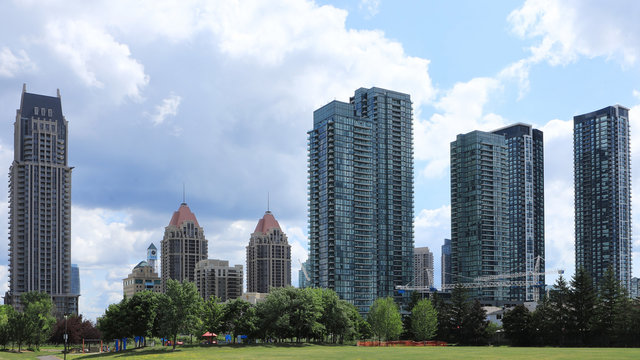 Scene of the Mississauga, Ontario city center