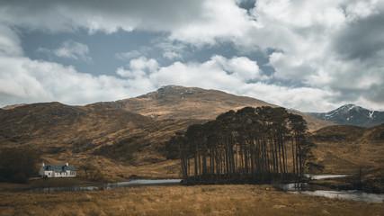 Scotland Loch eilt cottage