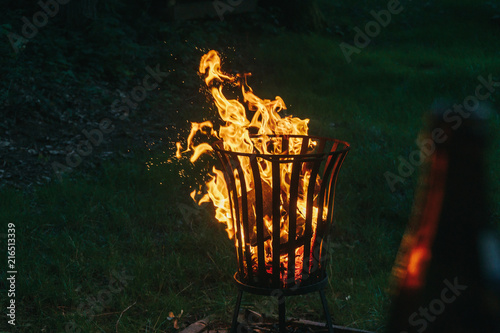 Lagerfeuer Im Garten Bei Nacht Stock Photo And Royalty Free Images