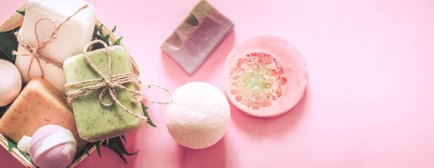 Obraz spa soap with salt bombs - fototapety do salonu