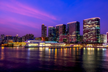 Fotomurales - Twilight of Victoria Harbor of Hong Kong