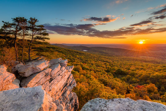 Sunset view from Annapolis Rocks, along the Appalachian Trail on South Mountain, Maryland