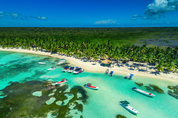 Tuinposter Eiland Aerial view of tropical beach island in Dominican Republic