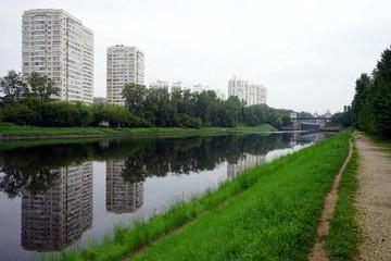 Footpath near canal
