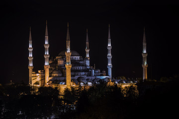 Night view of six minaret Blue Mosque of Ottoman architecture in Istanbul, Turkey