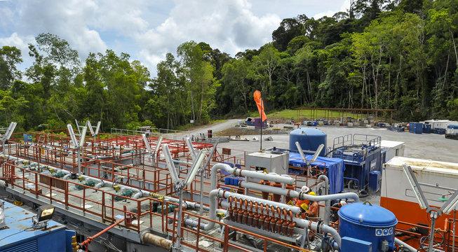 Fluid solid control unit in drilling yard