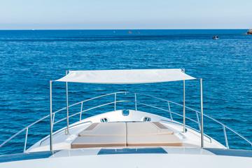 bimini de yacht