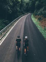Radsport cycling bike Fahrradfahrer im Helm Rennrad trikot Sport Girl Frau