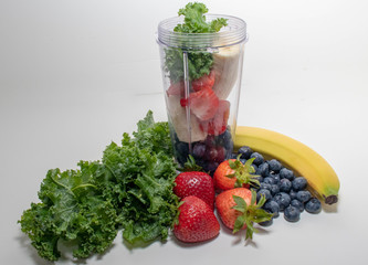 Portable Juicer Cup and Fruit
