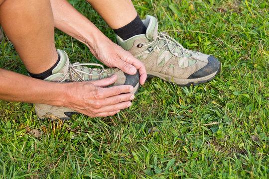 Schmerzen durch zu enge / kleine Schuhe / Wanderschuhe