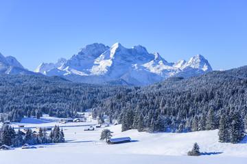 Wall Mural - verschneite Landschaft im Werdenfelser Land