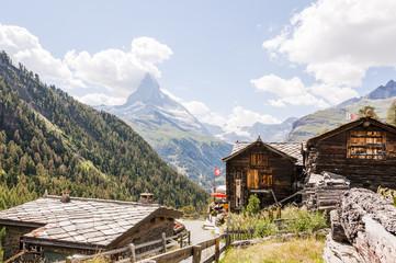 Zermatt, Matterhorn, Wallis, Alpen, Findeln, Findelbach, Findelschlucht, Wanderweg, Holzhäuser, Walliser Häuser, Sommer, Schweiz