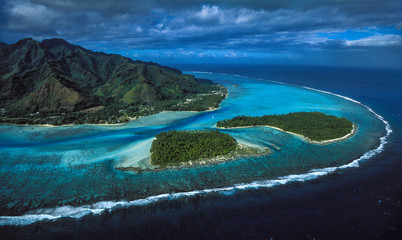 Moorea Tiahura & Fareone Motu - Tahiti Wall mural