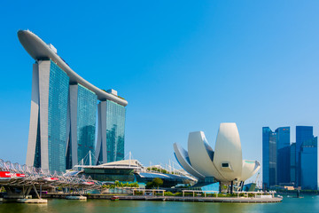 Foto op Aluminium Stad gebouw Beautiful landscape of Marina Bay Sands Casino Hotel Downtown in Singapore is one of the major tourist attractions in Singapore city
