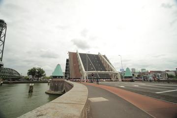 koninginnebrug, bridge between Island named Noordereiland and the south of Rotterdam opens