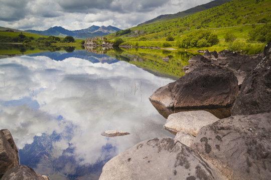 Blick auf Mount Snowdon im Snowdonia Nationalpark