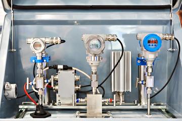 Pressure transmitter and sensors