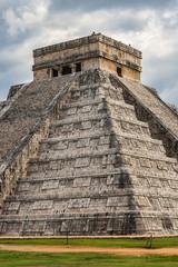 Mayan Temple of Kukulkan (El Castillo), pyramid in Chichen Itza archaeological site, Yucatan peninsula, Mexico.