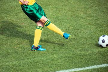 女子サッカー試合風景