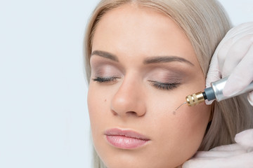 Fibroblast skin care procedure, wrinkle eyelids lifting.