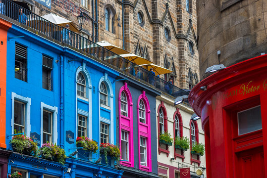 Busy Streets of Edinburgh, Scotland, UK