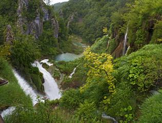 Croazia, 28/06/2018: cascate nel Parco nazionale dei laghi di Plitvice, uno dei parchi più antichi dello Stato, nella zona montuosa carsica della Croazia centrale al confine con la Bosnia Erzegovina