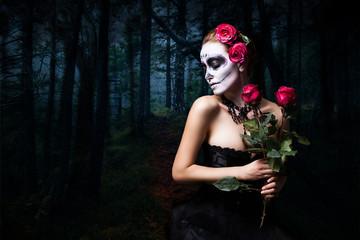 Día de los Muertos (Tag der Toten) - attraktive Frau mit sugar Skull Make-Up