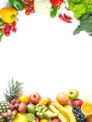 Photo sur Aluminium Fruit Frame of fresh vegetables and fruits isolated on white background