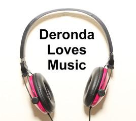 Deronda Loves Music Headphone Graphic Original Design